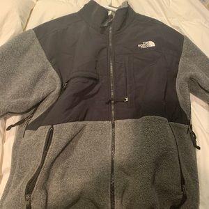 North face Men's Large Grey Denali Fleece jacket